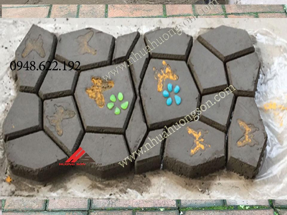 khuôn nhựa làm gạch giả đá