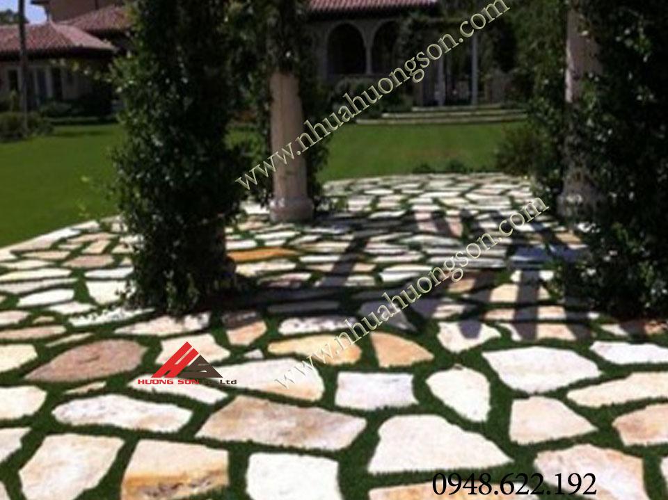sân vườn được làm từ khuôn gạch sân vườn